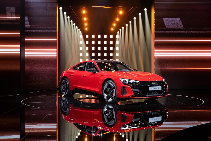 Audi_eTron_GT_Porsche_Inter_Auto